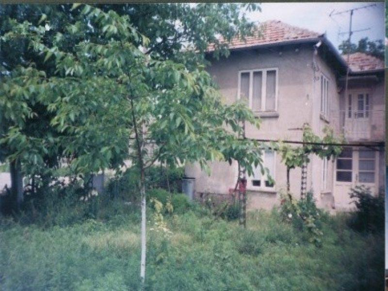 immobilien haus in obrochishte dobrich bulgarien haus 60 qm 4 zimmer bad 1050 qm. Black Bedroom Furniture Sets. Home Design Ideas
