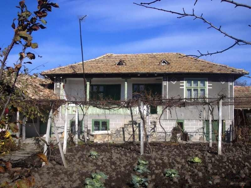 immobilien haus in velino shumen bulgarien haus 120 qm 3 schlafzimmer grundst ck 1300 qm. Black Bedroom Furniture Sets. Home Design Ideas
