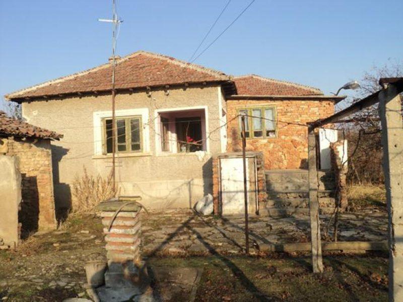 immobilien haus in zahari stoyanovo dobrich bulgarien haus 70 qm 3 zimmer bad keller. Black Bedroom Furniture Sets. Home Design Ideas