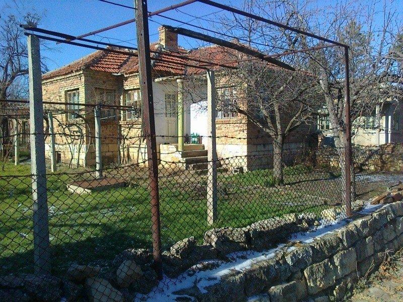 immobilien haus in belogradets varna bulgarien haus 80 qm 2 schlafzimmer bad 850 m. Black Bedroom Furniture Sets. Home Design Ideas