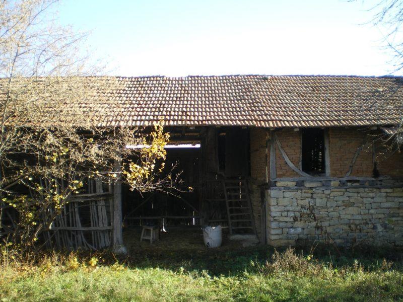 immobilien haus in koprivets ruse bulgarien feste haus 70 qm huge keller 70 qm second. Black Bedroom Furniture Sets. Home Design Ideas