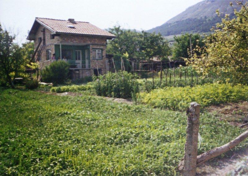 immobilien haus in venchan varna bulgarien haus 60 qm. Black Bedroom Furniture Sets. Home Design Ideas