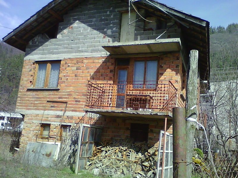 immobilien haus in smilyan smolyan bulgarien haus 140 qm 5 zimmer bad 300 m grundst ck. Black Bedroom Furniture Sets. Home Design Ideas