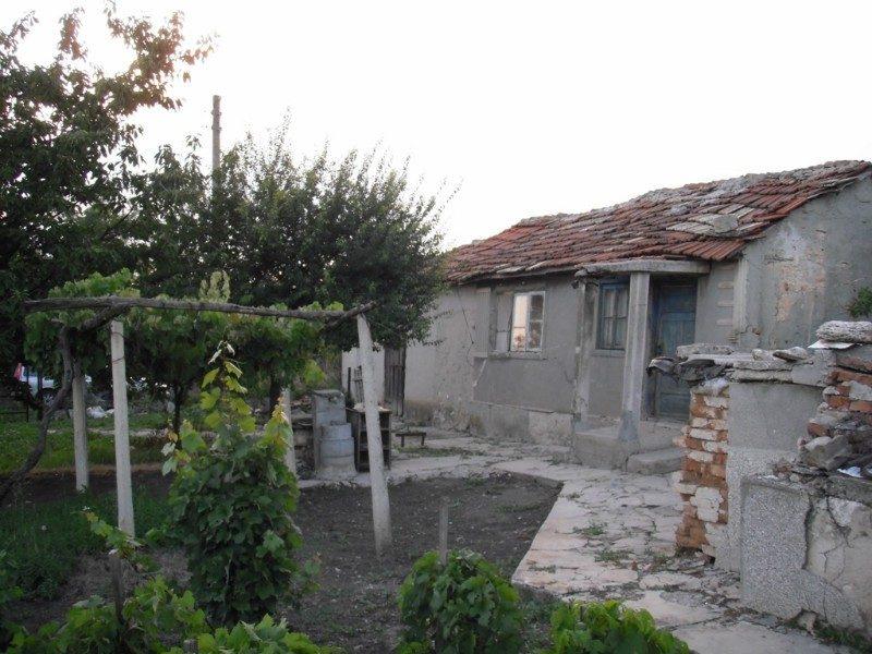 immobilien haus in irechek dobrich bulgarien haus 50 qm 2 zimmer grundst ck 3500 qm 15. Black Bedroom Furniture Sets. Home Design Ideas