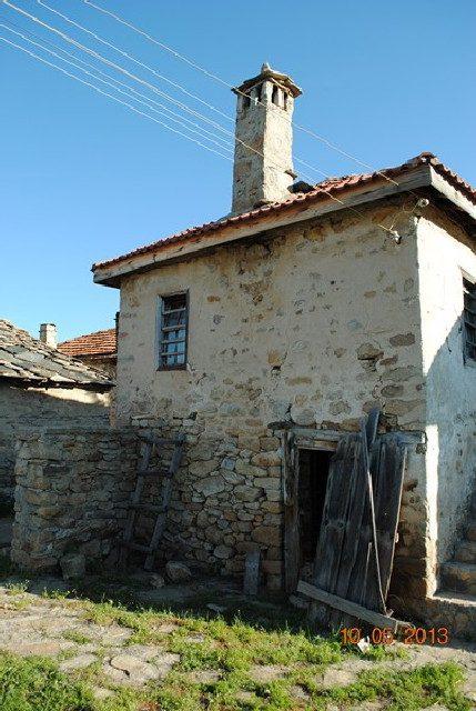 immobilien haus in galabovo smolyan bulgarien steinhaus mit einer fl che von 104 qm auf. Black Bedroom Furniture Sets. Home Design Ideas