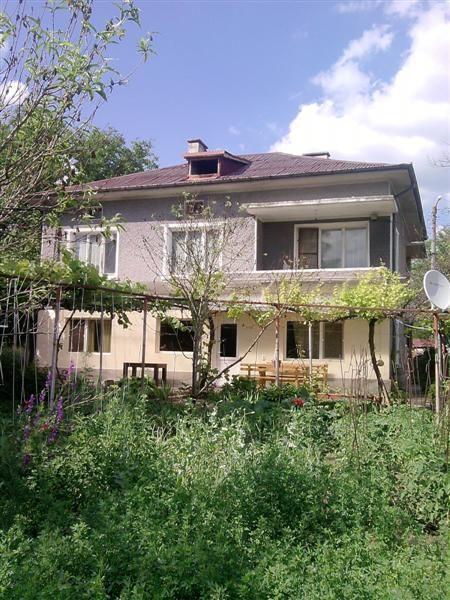 immobilien haus in madara shumen bulgarien haus 150 qm 4 schlafzimmer garage grundst ck. Black Bedroom Furniture Sets. Home Design Ideas
