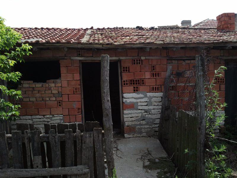 immobilien haus in slaveevo dobrich bulgarien die villa ist auf zwei etagen des. Black Bedroom Furniture Sets. Home Design Ideas
