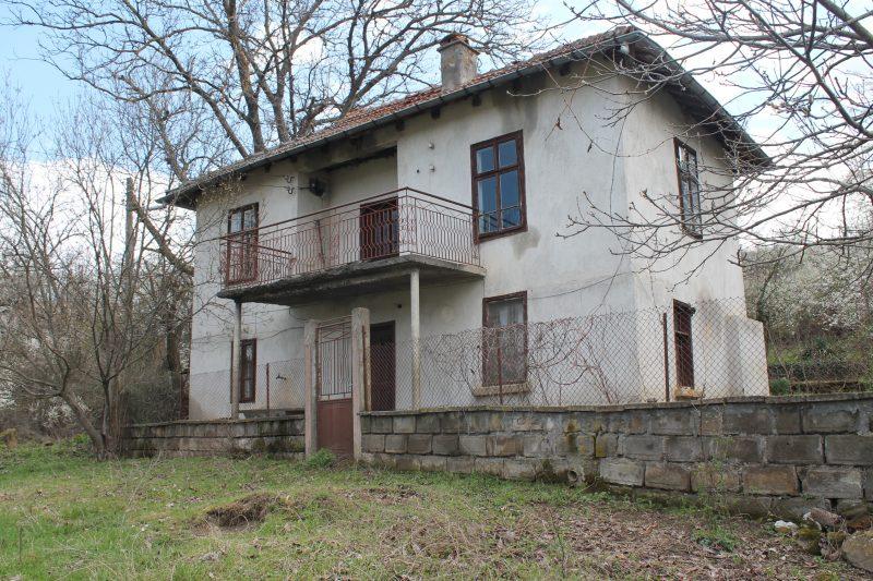 immobilien haus in kurnovo vratsa bulgarien gro e h user 4 schlafzimmer 1300 qm garten. Black Bedroom Furniture Sets. Home Design Ideas