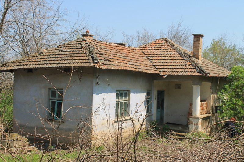immobilien haus in stanevo montana bulgarien 1100 qm garten haus mit charme 4 zimmer. Black Bedroom Furniture Sets. Home Design Ideas