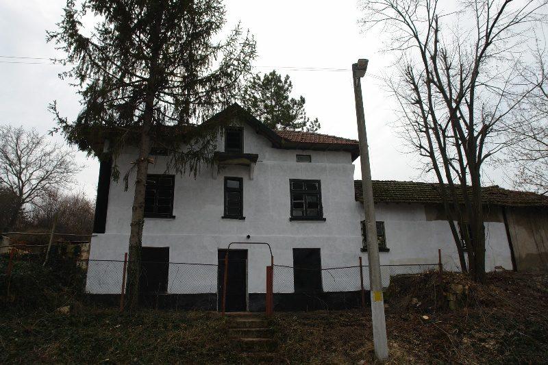 immobilien haus in tetovo ruse bulgarien 4890 qm. Black Bedroom Furniture Sets. Home Design Ideas