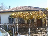 100 m2 house, 3 rooms, a main hall (coffee), Yard 1100 square meters, 31 km from Dobrich