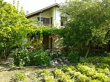 House 80m2, 1150m2 garden, three bedrooms, 25km from the Black Sea