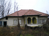 Solid house - 4 bedrooms , roof , rooms and garden in very good condition. Asphalt access