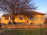 90 m2 house, 3 large rooms, Garden 1310 sq.m., 20 km from the sea