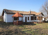 80 sq.m. bungalow, 1100 sq.m. land, near river, central Bulgaria