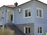 house 140 sq.m., 7 rooms, bathroom, land 1000 sq.m., 1.5 km. to sea