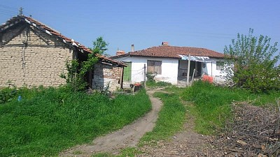 4 bulgarian properties in sbor pazardzhik