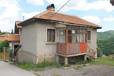 166 bulgarian properties in pernik