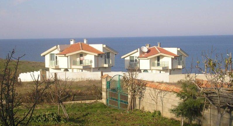 immobilien haus in sinemorets burgas bulgarien 200 qm neues haus zentralheizung 50 m zum. Black Bedroom Furniture Sets. Home Design Ideas