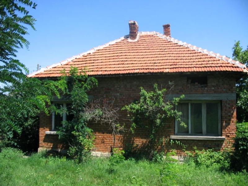 immobilien haus in borovan vratsa bulgarien 2 zimmer landhaus aus stein und backstein haus. Black Bedroom Furniture Sets. Home Design Ideas