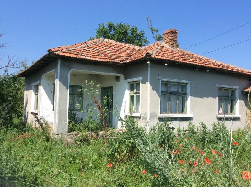 immobilien haus in rudnik varna bulgarien 70 qm bungalow 3 zimmer 1000 qm land 10 km. Black Bedroom Furniture Sets. Home Design Ideas