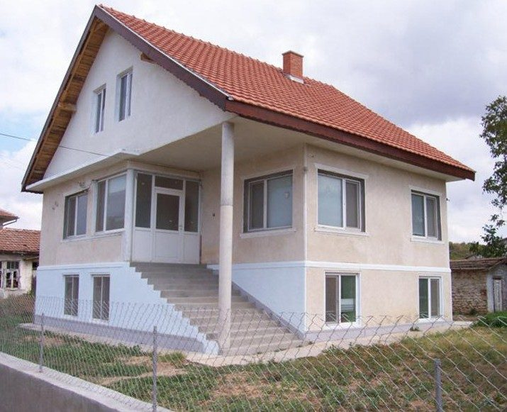 immobilien haus in shabla dobrich bulgarien 150 qm haus 1300 qm garten sicherheitssystem. Black Bedroom Furniture Sets. Home Design Ideas