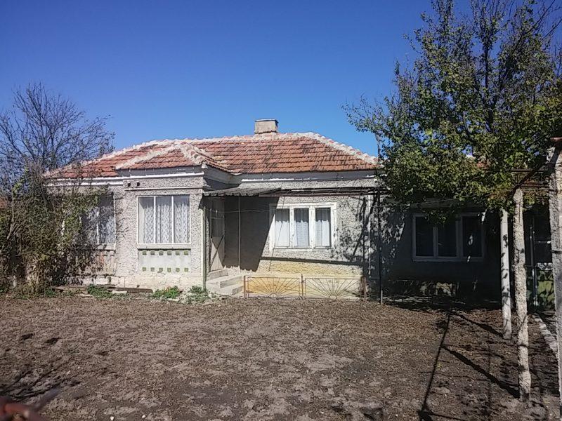 immobilien haus in mlada gvardiya varna bulgarien bungalow 70 qm 520 qm garten 45 km. Black Bedroom Furniture Sets. Home Design Ideas