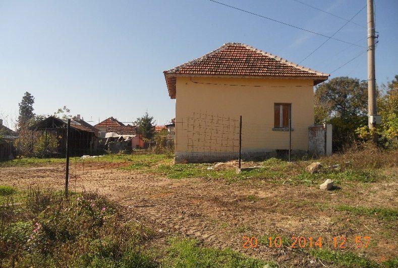 immobilien haus in knezha pleven bulgarien 80 qm haus 2 schlafzimmer 530 qm garten in. Black Bedroom Furniture Sets. Home Design Ideas