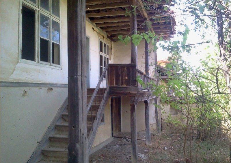 immobilien haus in dragoevo shumen bulgarien altes haus f r renovierung 900 qm grundst ck. Black Bedroom Furniture Sets. Home Design Ideas