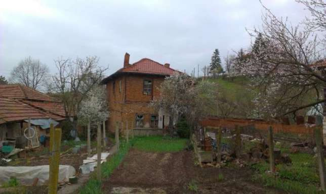 immobilien haus in kamenovo razgrad bulgarien 80 qm haus 4 zimmer 1150 qm garten 150 km. Black Bedroom Furniture Sets. Home Design Ideas