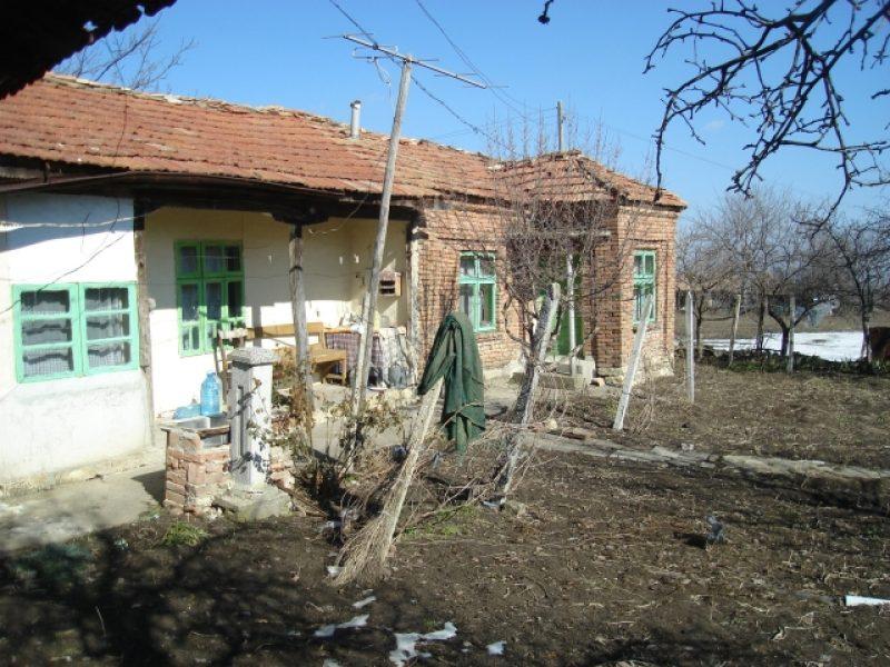 immobilien haus in drumevo shumen bulgarien haus 70 qm 3 zimmer k che land 650 qm 26 km. Black Bedroom Furniture Sets. Home Design Ideas