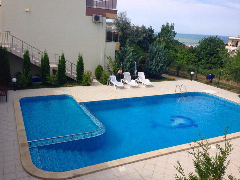 immobilien haus in byala varna bulgarien ein zimmer wohnung 350 m zum strand. Black Bedroom Furniture Sets. Home Design Ideas