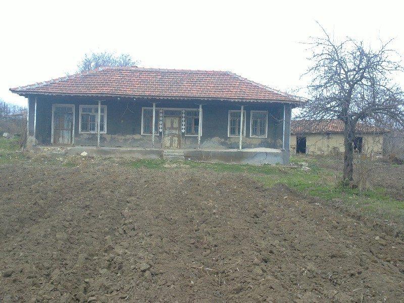 immobilien haus in rositsa dobrich bulgarien haus 60 qm 3 zimmer 30 km von general. Black Bedroom Furniture Sets. Home Design Ideas