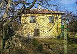 75 кв.м. прочной дом, внутренний ванны, 1280 кв.м. сад, центральной Болгарии